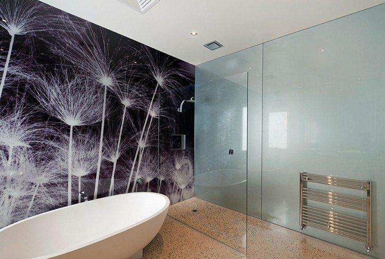Glas statt Fliesen im Bad - Pflegeleicht und dekorativ