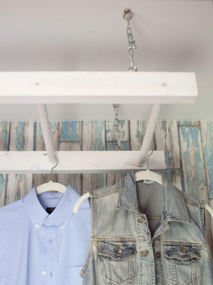 Kleiderablage im Schlafzimmer: 18 Alternativen zum Klamottenstuhl