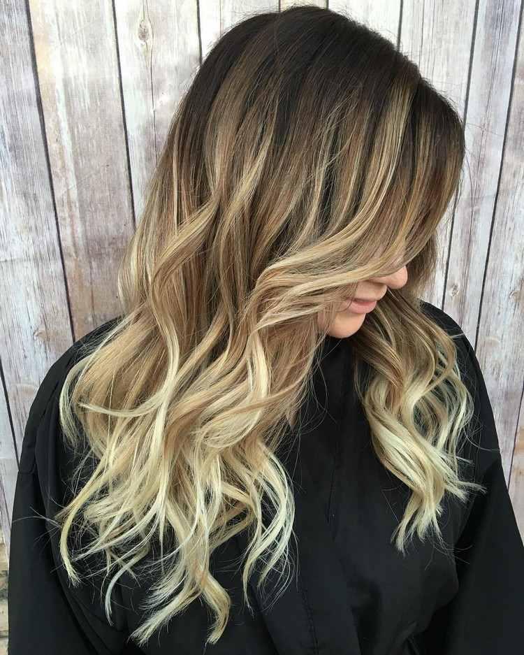 Strähnen braune locken haare mit blonden 30 beeindruckendes