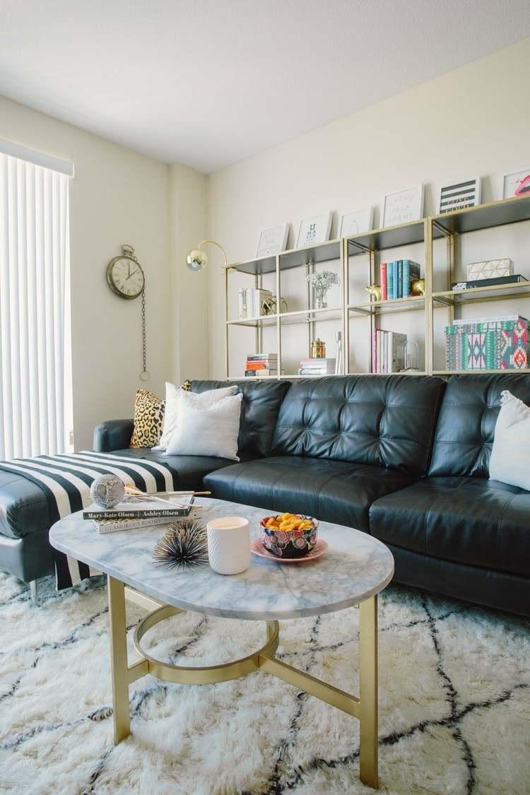 Wunderbar Schöne Einrichtungsideen Mit Einem Regal Hinter Sofa Im Wohnzimmer