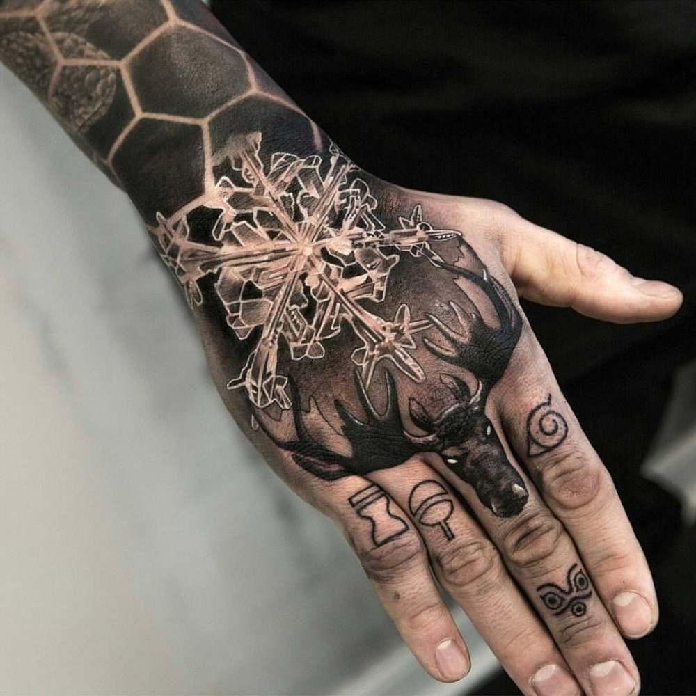 hand tattoo fur den mann tolle