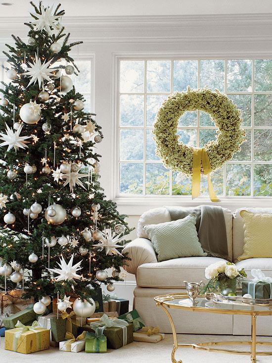 déco-sapin-Noël-ornements-surdimensionnés