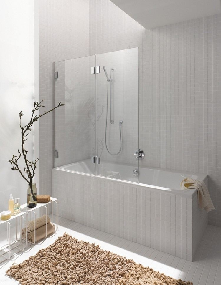 petite salle de bains avec baignoire douche 32 idees sympas