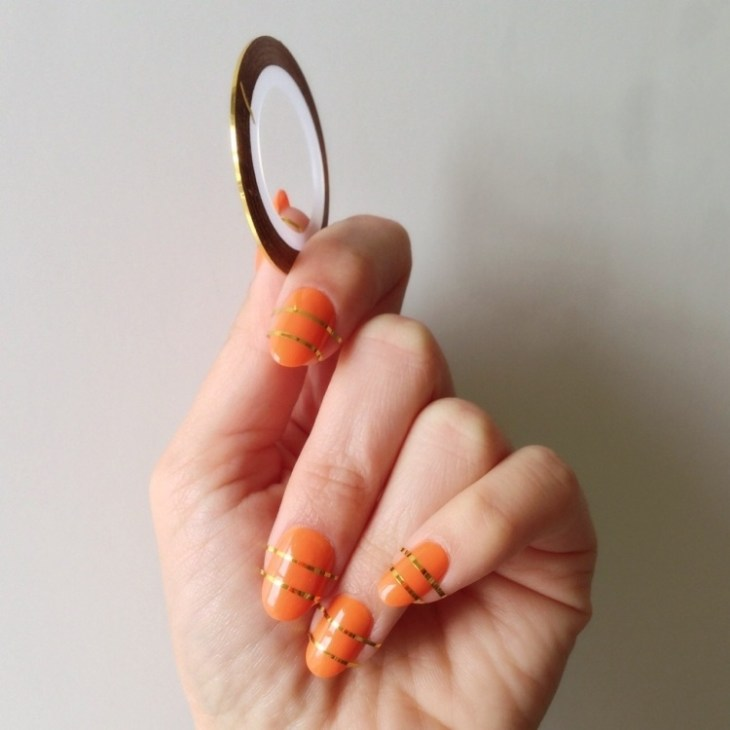 deco-ongles-bande-de-striping-tape-vernis-orange