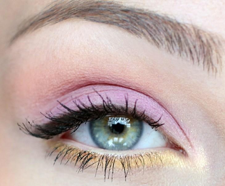 idees-maquillage-ete-rose-pâle-jaune-crayon-mascara idées maquillage