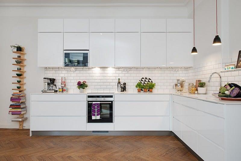 Carrelage Metro Blanc Dans La Cuisine Et La Salle De Bains