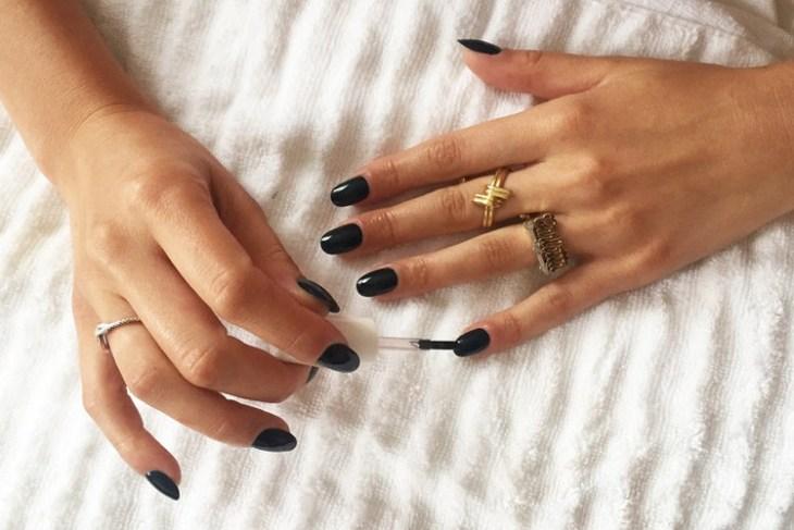 tuto nail art –nouvel-an-vernis-ongles-noir