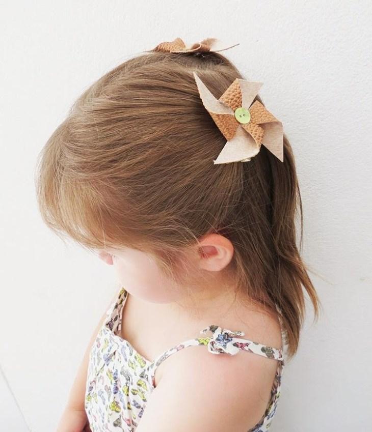 accessoire pour cheveux -barrette-petite-fille-decoree-eolienne-cuir