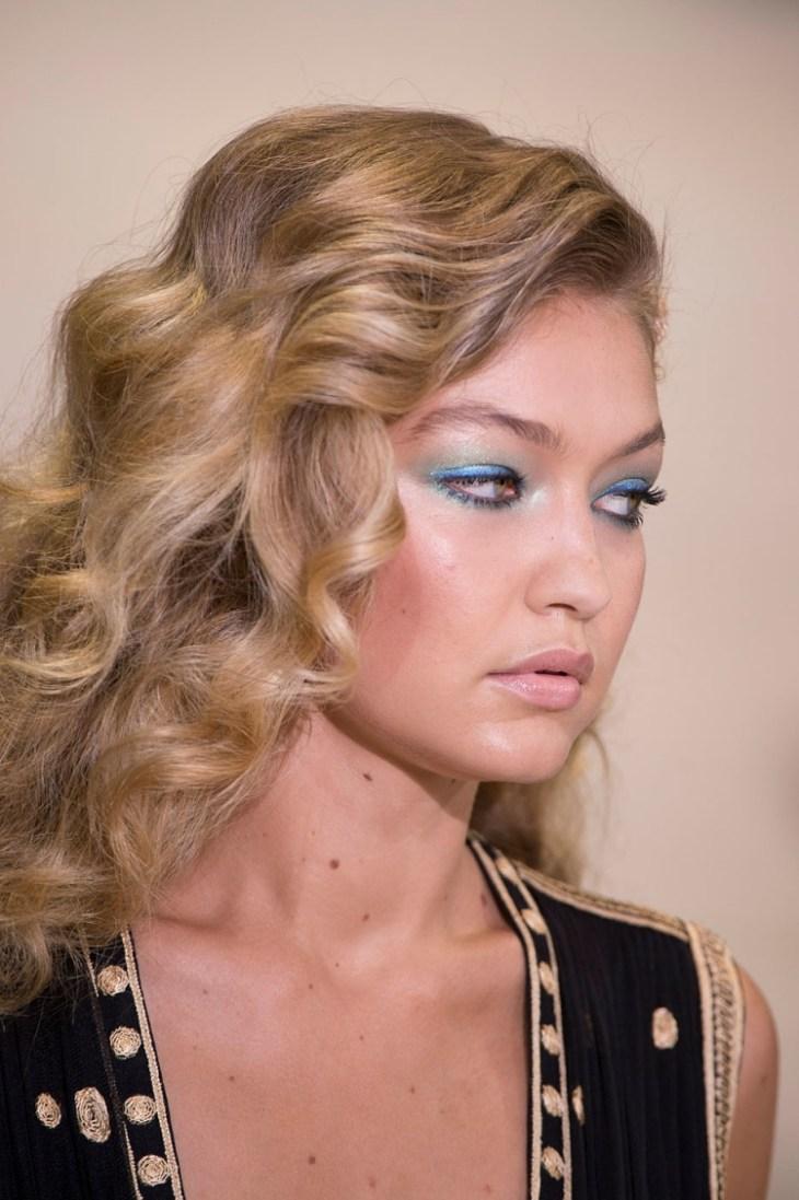 maquillage tendance 2016 yeux fard paupières bleu vert pailletés