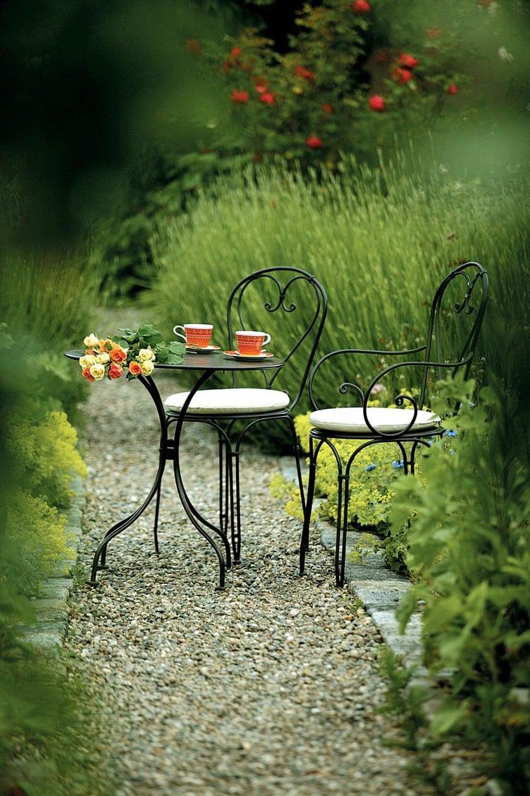 Coin Repas Au Jardin O Lon A Hte De Prendre Son Repas