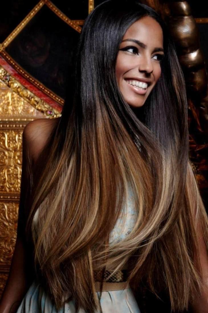 cheveux couleur caramel -ombré-effet-cheveux-noirs-mèches-caramel-blond-doré