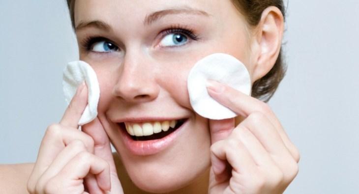 maquillage nude soin-hydratation-peau-respirer-hygiène