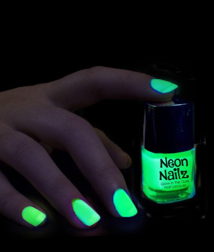tendance vernis-ongles-fluorescent-vert-néon