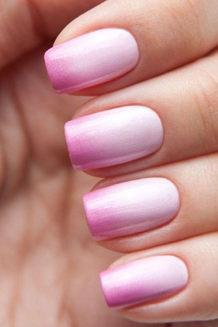manucure rose pastel-rose-bonbon-dégradé-nail-art-ombré