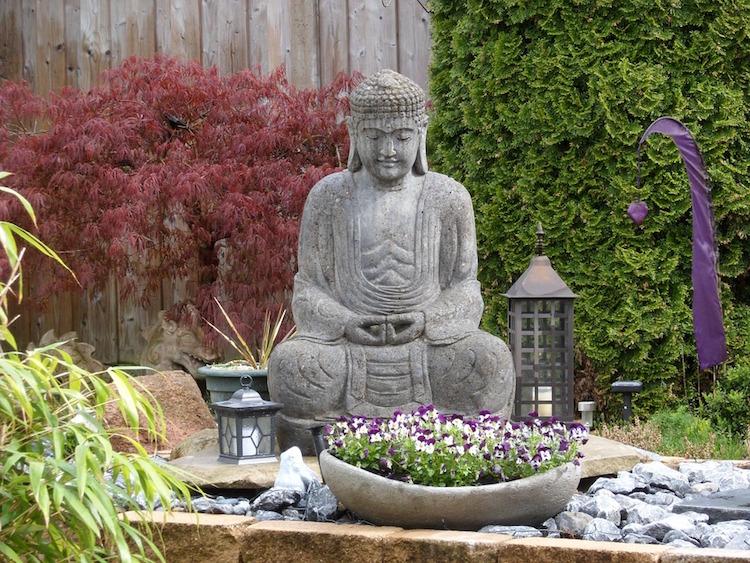statue de jardin zen le bouddha