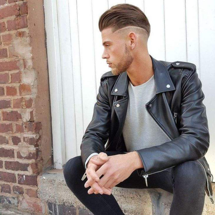 coiffure homme tendance -pompadour-cheveux-lisses