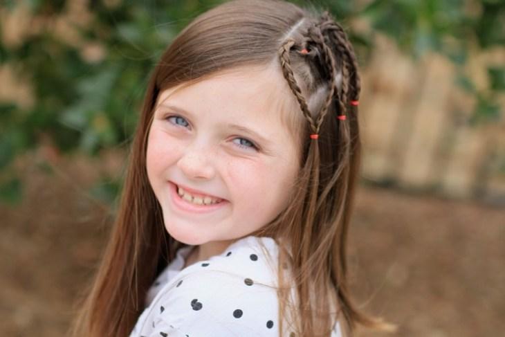 coiffure pour petite fille -tresses-coeurs-idée-coiffure-facile