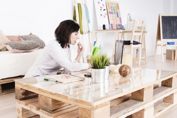 meubles avec des palettes en bois