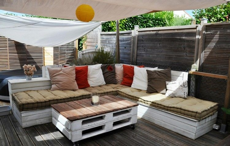 meuble exterieur palette bois table blanc canape angle meuble exterieur en palette de bois en 20 idees d amenagement outdoor mobilier
