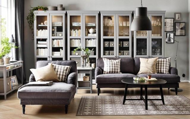 ambiance-salon-ikea-vitrines-rangements-grises-canapes-anthracite