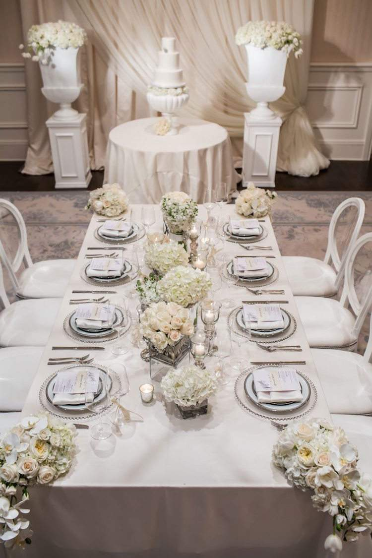 decoration table mariage hiver compositions roses blanches hortensias orchidees 99 idees de decoration table mariage automne hiver qui vous feront tomber