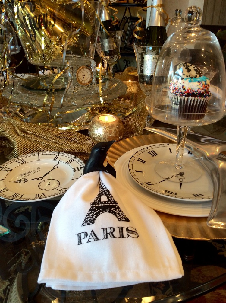 finest pliage serviette nouvel an facile ide dco table motif montre soire rveillon nouvel an thme pliage serviette nouvel an facile et lgant u ides en with