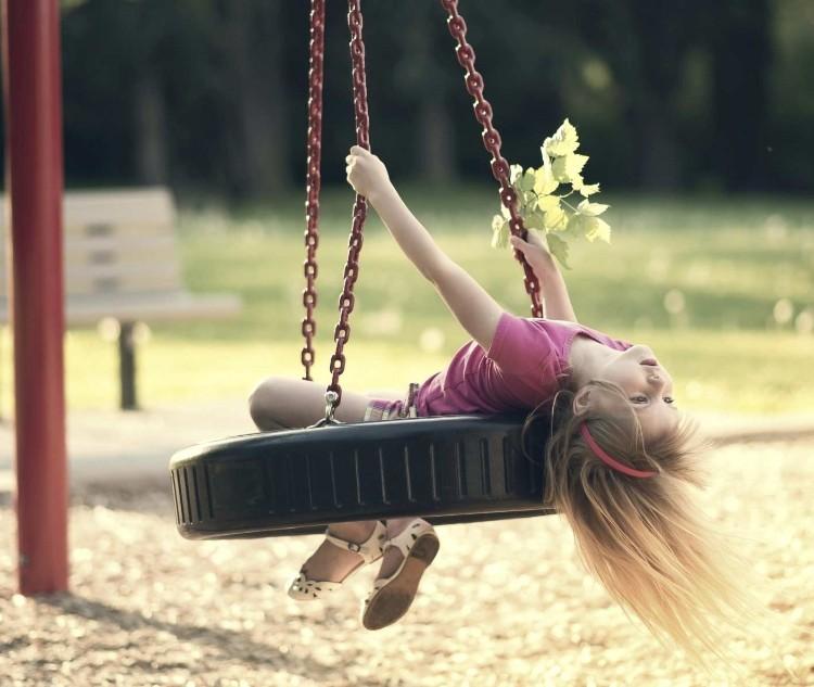 Balanoire Pour Enfants Ajouter Dans Lespace De Jeux