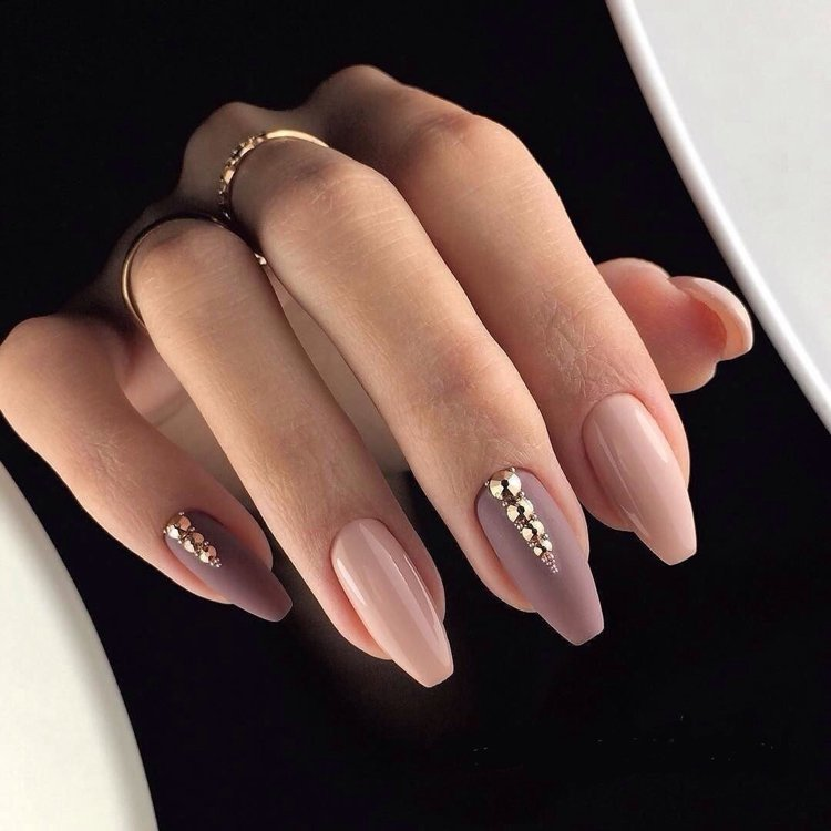 ongles nude