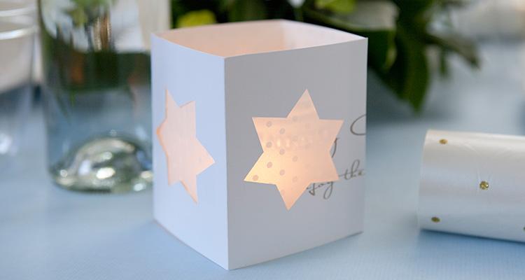 photophore en papier etoiles tutoriel facile photophore en papier idees diy pour creer une deco de noel magique