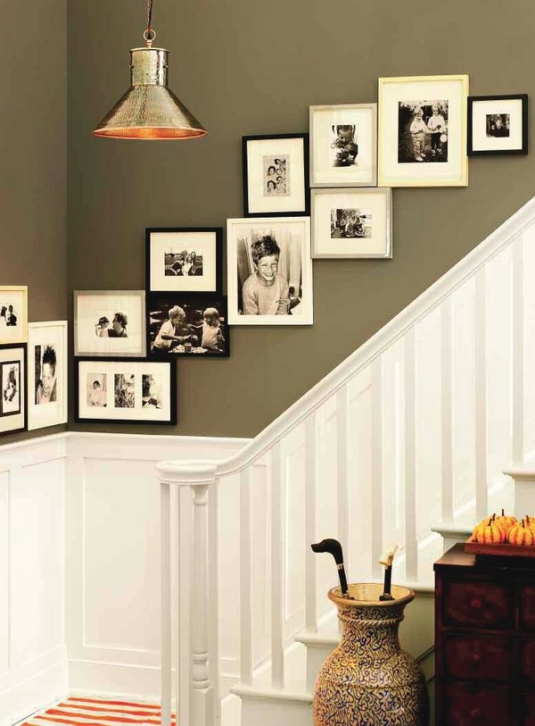 How to arrange a photo wall - tips and creative ideas on Creative Staircase Wall Decorating Ideas  id=41947