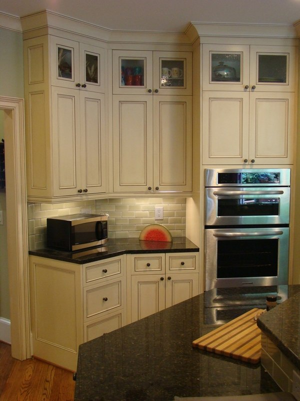 Uba Tuba granite counter tops: tips for including the in ... on Backsplash Ideas For White Cabinets And Granite Countertops  id=96083