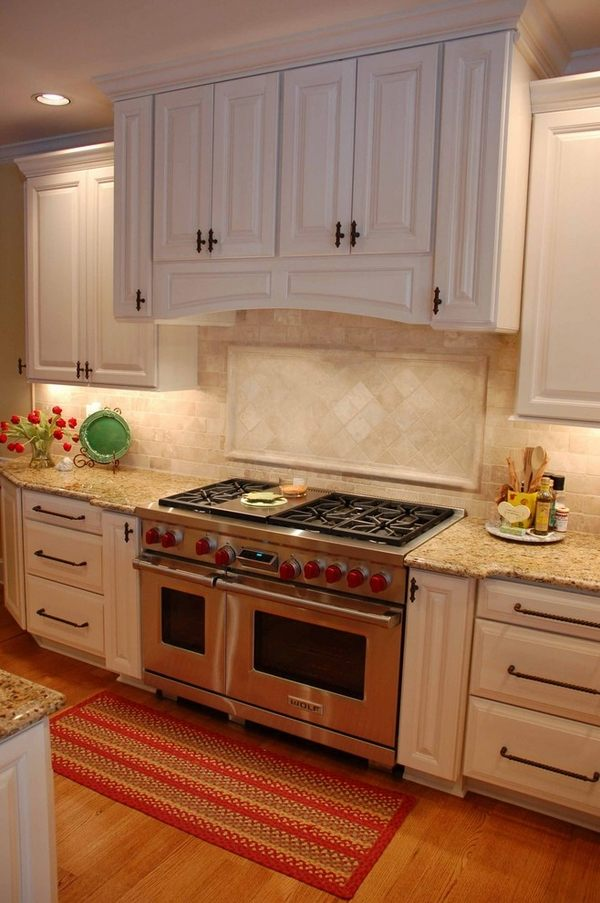 New Venetian Gold granite - grace, style and stunning ... on Backsplash Ideas For White Cabinets And Granite Countertops  id=16764