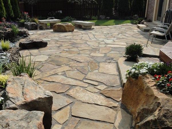 Flagstone patio ideas - the perfect outdoor space design on Flagstone Backyard Patio id=24818