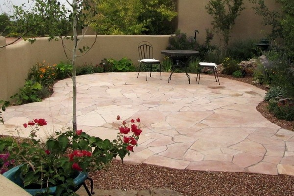 Flagstone patio ideas - the perfect outdoor space design on Patio Shape Designs id=84432