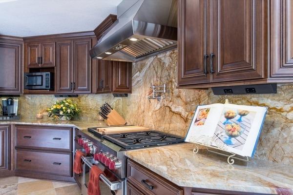 Installing a granite backsplash - a good or a bad idea? on Kitchen Backsplash Backsplash Ideas For Granite Countertops  id=39067