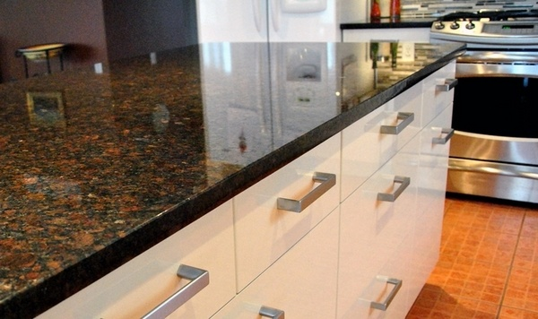 Coffee brown granite countertops - a variety of hues to ... on What Color Cabinets Go Best With Black Granite Countertops  id=77924