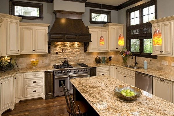 Travertine tile backsplash ideas in exclusive kitchen designs on Backsplash Ideas For White Cabinets And Granite Countertops  id=43513