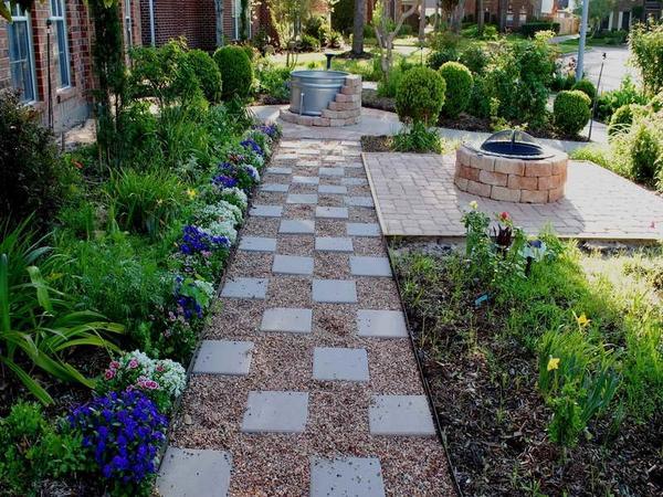 Patio landscape design - cost effective pea gravel patio ... on Backyard With Gravel Ideas id=95291