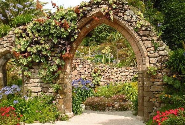 Walled garden design ideas - how to create your own secret ... on Romantic Backyard Ideas id=16186