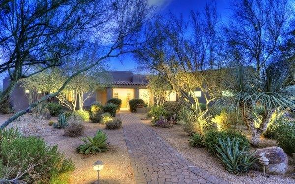 Desert landscaping ideas - basic rules to design a great ... on Desert Landscape Ideas For Backyards id=14971