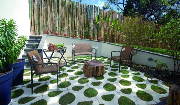 Grass pavers for the driveway, courtyard or the patio on Backyard Pavers And Grass Ideas id=96750