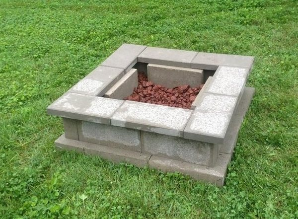 Cinder block fire pit - DIY fire pit ideas for your backyard on Building Outdoor Fireplace With Cinder Block id=79560