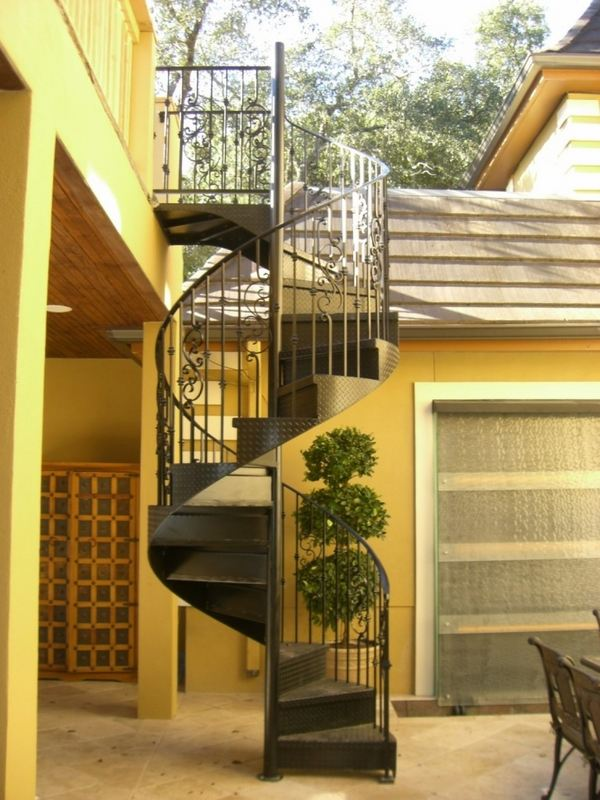 Outdoor spiral staircase designs to complement the house ... on Backyard Stairs Design id=67418