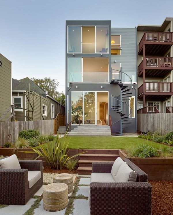 Outdoor Spiral Staircase Designs To Complement The House Exterior | Stair Design For Small House Outside | Small Spaces | Living Room | Wood | Handrail | House Plans