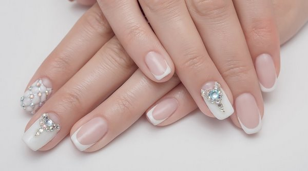 Crystal Nails Beautiful Manicure Ideas With Glittering Stones