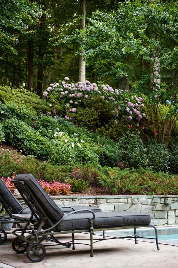Hill landscaping - original and creative ideas for sloping ... on Steep Hill Backyard Ideas id=42593