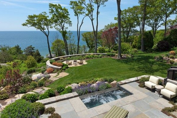 Hill landscaping - original and creative ideas for sloping ... on Lakefront Patio Ideas id=68335