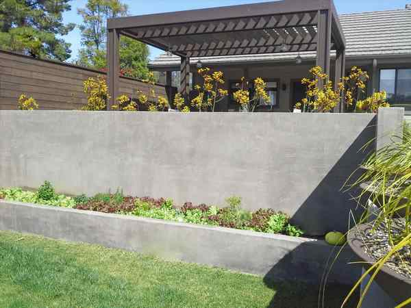 Inexpensive retaining wall ideas - creative landscape designs on Wall Ideas For Yard id=36832