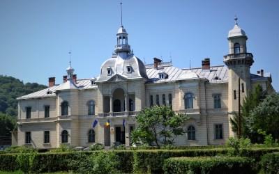 Institutul Național al Patrimoniului și Primăria Comănești, parteneri pentru reabilitarea Parcului și Palatului Ghica
