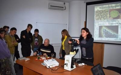 """Workshop """"Lumea vegetală privită la microscop"""" la Muzeul de Științele Naturii (FOTO)"""